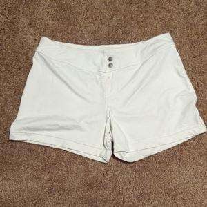 Athleta size med nylon shorts